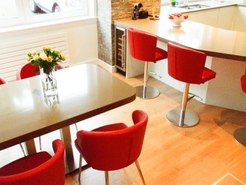 Doris P Chairs with Matching Doris S Bar Stools